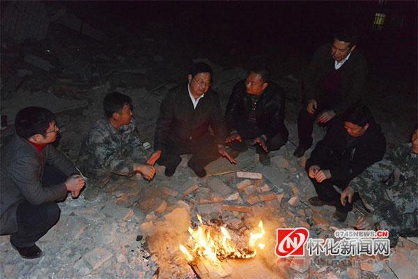 2017年12月,蒙汉夜访溆浦县夏家溪旧城区改造(资料图片)